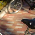 自転車盗難防止効果有り「鳥のうんちシール」が人気グッズ!